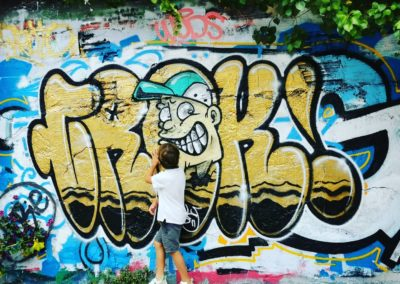 Bordeaux street art family